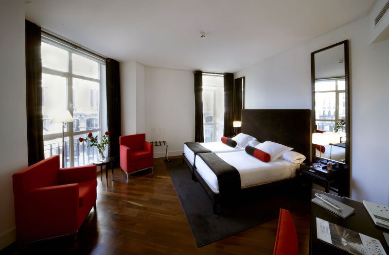 Hotel quatro puerta del sol madrid spain for Hotel paris en madrid puerta del sol