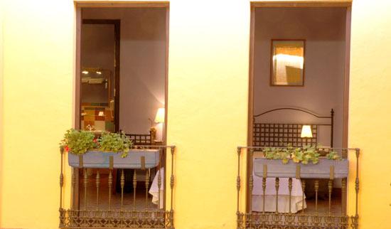 Hotel casa de los azulejos cordoba spain for Hotel casa cordoba