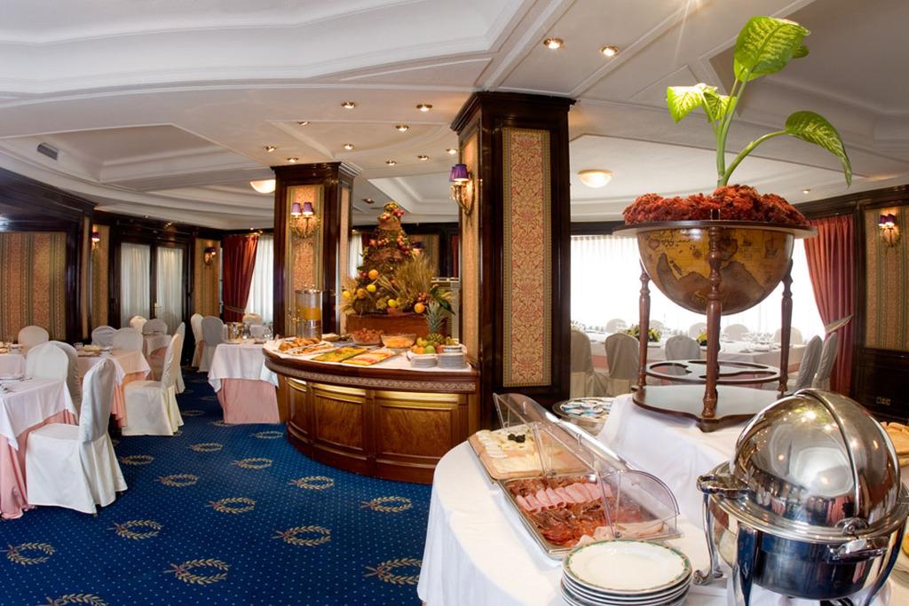 Hotel Emperador Madrid Piscine