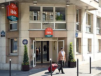 Hotel ibis paris brancion parc des expositions 15 me for Parking parc des expositions paris