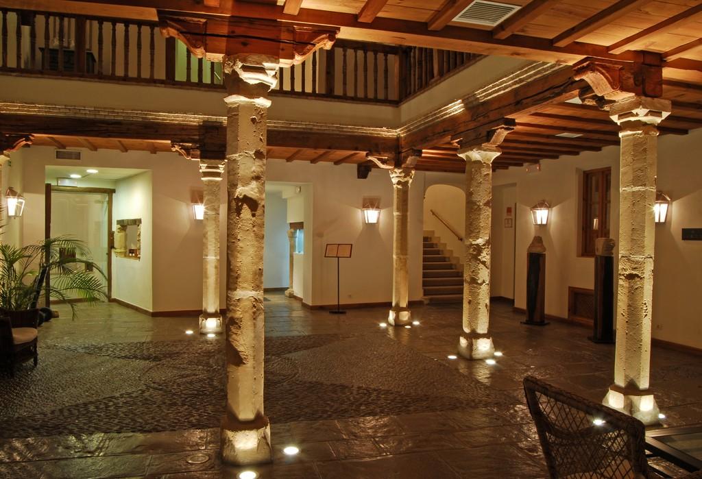 hotel puerta de la luna: