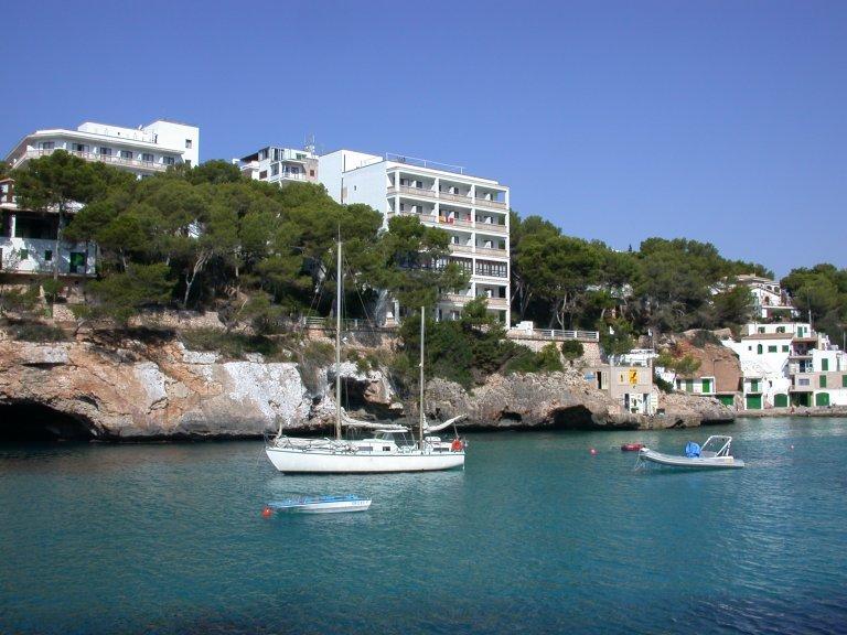Hotel Pinos Playa Santany 237 Spain Hotelsearch Com