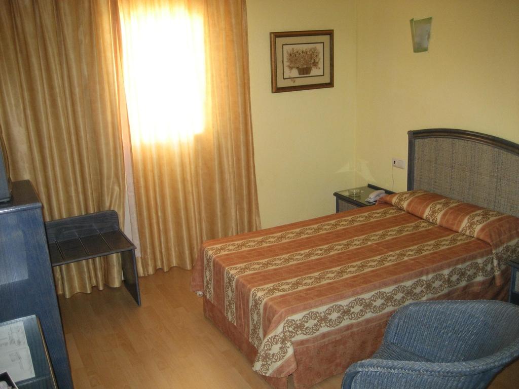 Hotel jm puerto del rosario puerto del rosario spanien - Pension puerto del rosario ...