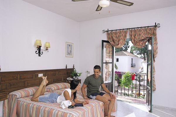 Hotel pueblo andaluz marbella espagne for Hotel pueblo andaluz