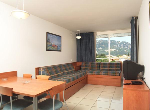 aparthotel costa encantada lloret de mar espa a. Black Bedroom Furniture Sets. Home Design Ideas