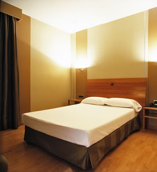 Hostel reg s barcelona spain for Hotel regas barcelona