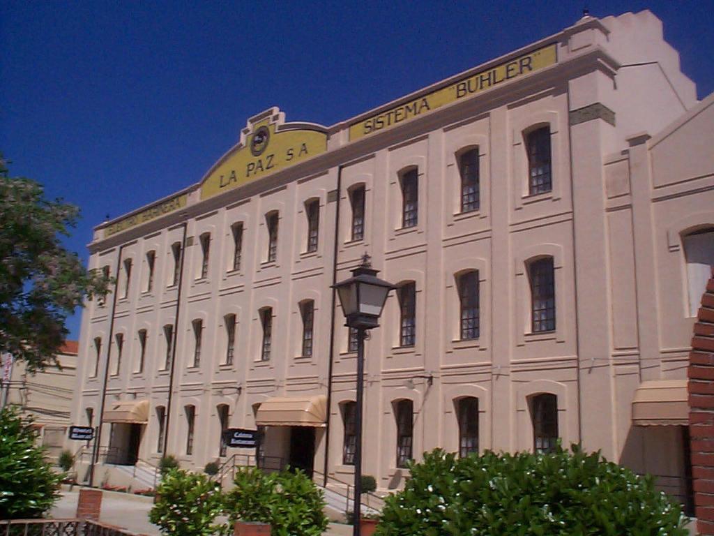 Hotel la f brica fuente de cantos spain for Hotel search