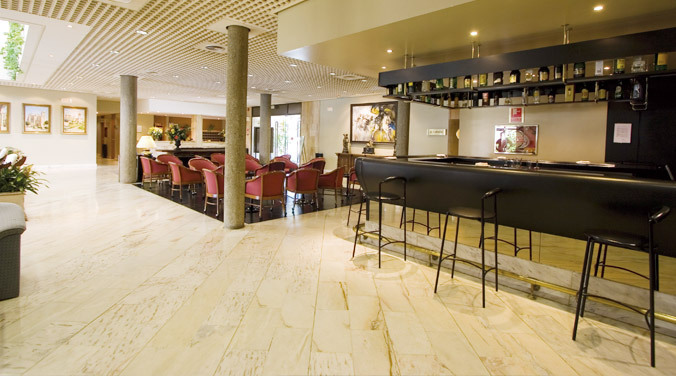 Hotel vegas altas don benito espa a for Piscina don benito
