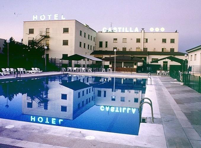 hotel castilla torrijos: