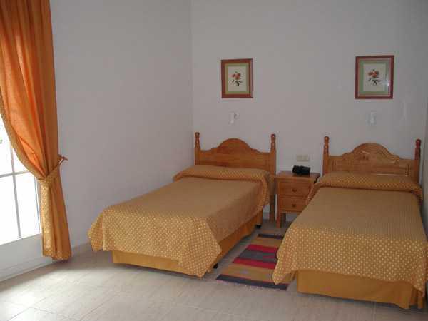 Hostel eloy ba os de montemayor espa a - Termas de banos de montemayor ...