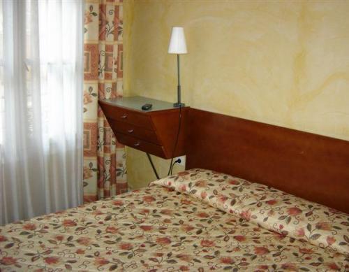 Hotel les jardins de paris marais bastille paris 4e for Les jardins de paris hotel