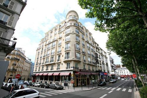 Hotel Carlton S Paris 9e Arrondissement France