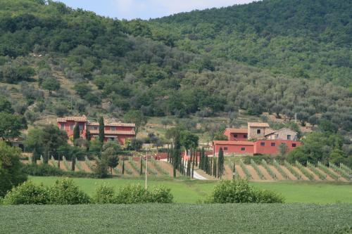 Magione Italy  city photos : ... Le Case Rosse di Montebuono, Magione, Italy | HotelSearch.com