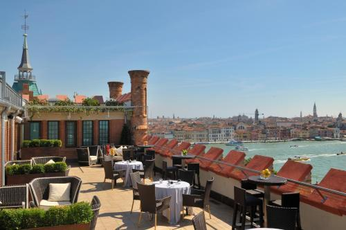 Hotels With Connecting Rooms In Venice Italy