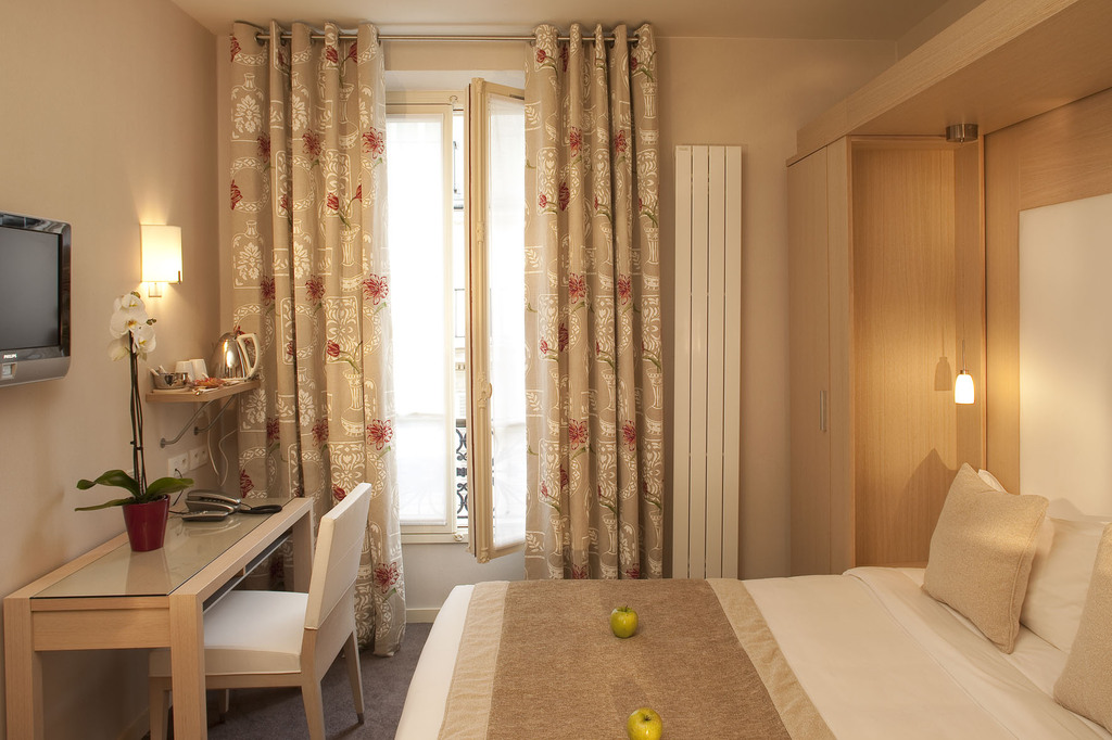 Hotel le petit belloy saint germain paris 6e for Hotel saint germain