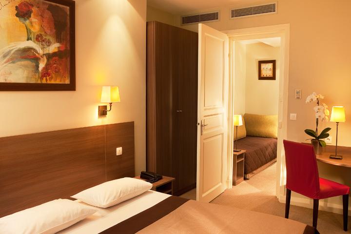 Hotel modern hotel val girard paris 15e arrondissement for Modern hotel paris