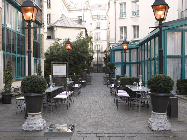 Hotel les jardins du marais home plazza paris 11e for Hotel marais paris