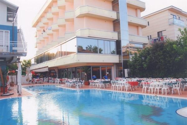 Hotel madison cattolica italia for Hotel madison milano