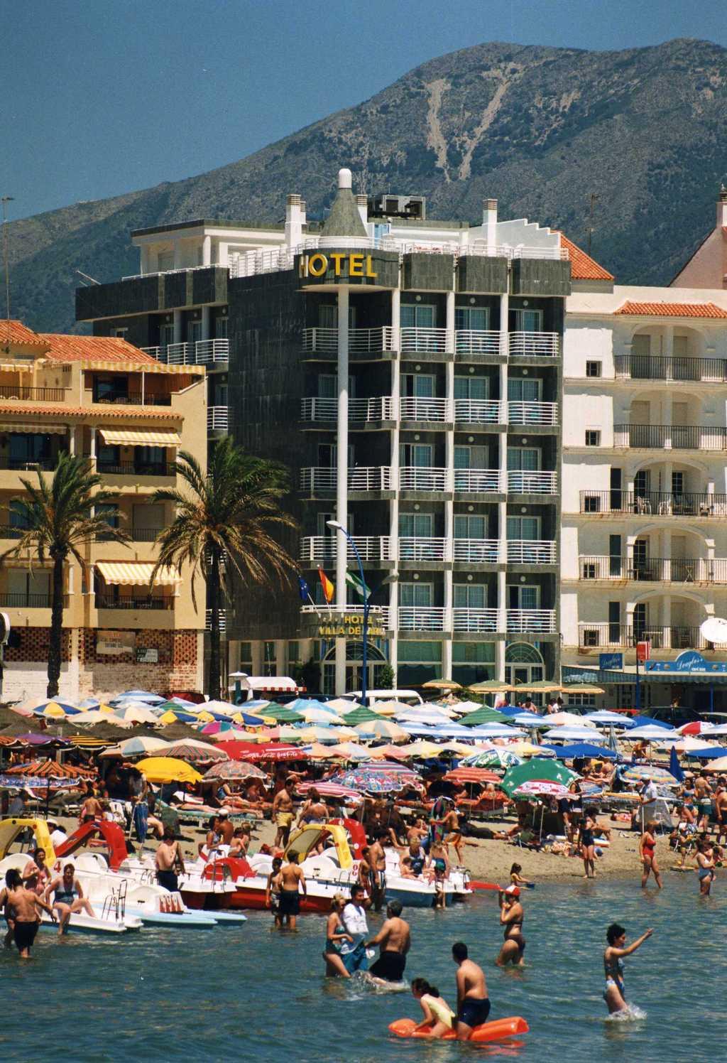 Hotel villa de laredo fuengirola spain for Hotel search