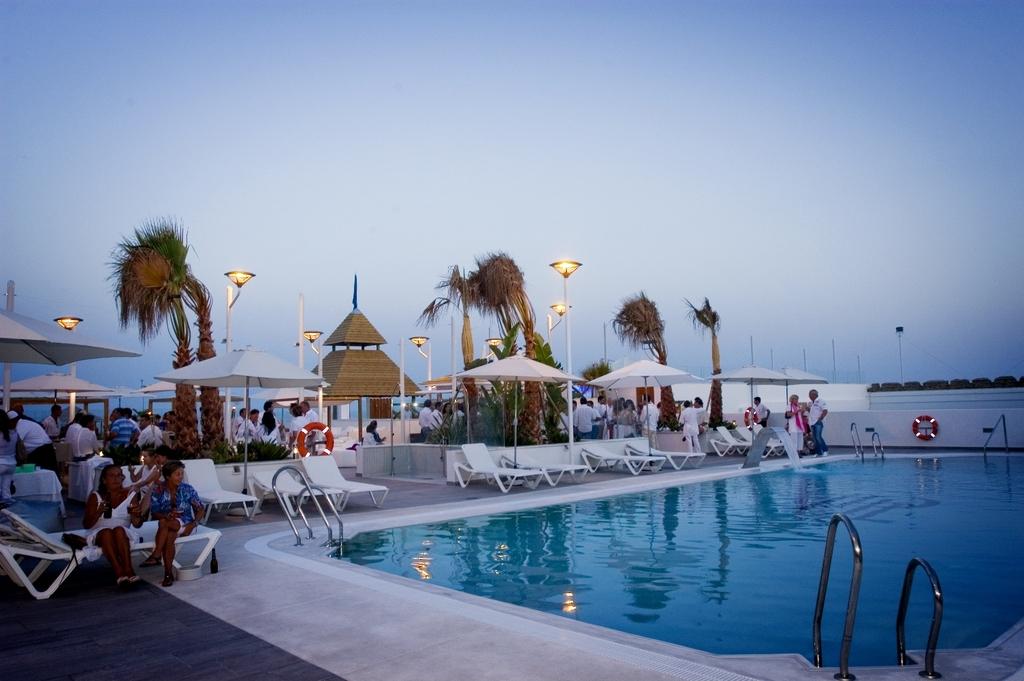 Hotel Playa De La Luz Rota Espa 241 A Hotelsearch Com