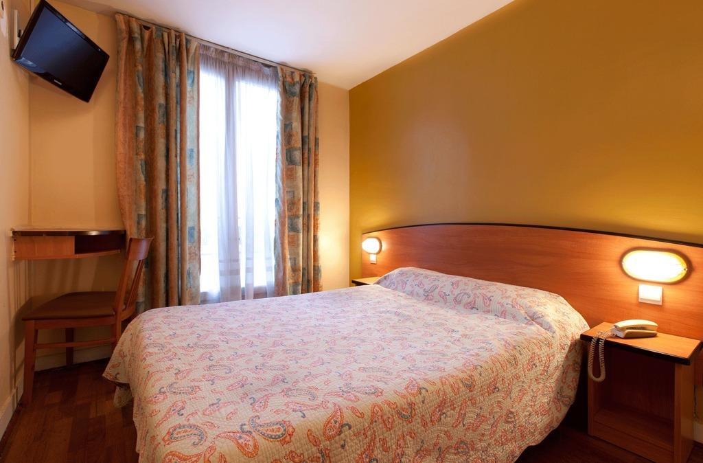 Hotel hibiscus r publique paris 11e arrondissement for Hotel 11 arrondissement paris