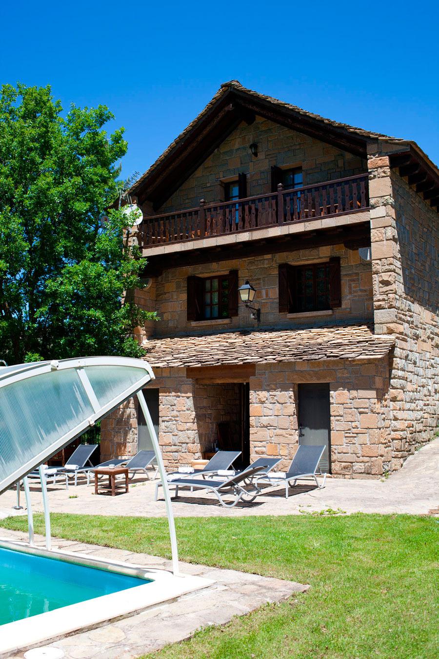 Hotel el mirador de los pirineos santa cruz de la ser s for Mirador del pirineo
