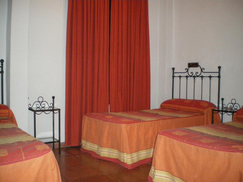 Room Photo 3890138 Hotel Apartments San Francisco Hotel